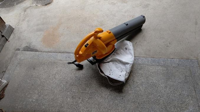 落ち葉掃除機
